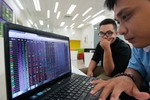 VN shares up on earnings prospects