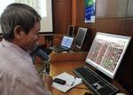 Brokerage stocks push VN-Index up