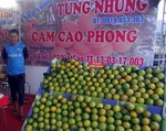 Fair of industrial and consumer goods opens in Hoa Binh