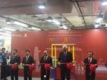 PM Phuc inaugurates Vietnam Fair in Singapore