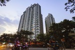 City to auction 14,000 apartments