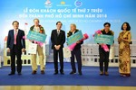 Vietnam Airlines welcome 7 millionth international passenger to HCM City