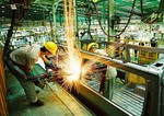 Viet Nam's economy grows robustly but risks intensify