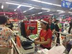 Retailers offer big discounts to celebrate Vietnamese football team's victory