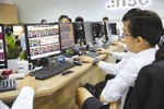 VN-Index firm amid profit-taking