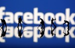 Experts urge privacy control following Facebook scandal