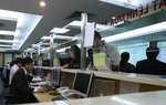 VN stocks up amid worries