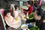 Korean firm gives gifts to disadvantaged children, does voluntary work