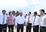 PM hopes for Vingroup's contributions to domestic auto industry