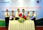 Vietcombank, PV GAS up co-operation