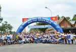 """NS BlueScope staffs join """"Run for Green"""" for needy pupils in Long Son"""