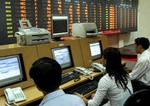 VN shares fall on global dive