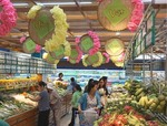 Shoppers get National Day promos