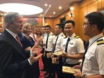 New Zealand Minister visits Vietnam Airlines
