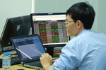VN stocks slip on China-US trade fears