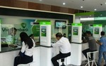 Bad debt ratio among banks drops sharply to 6.7%