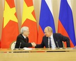 Viet Nam, Russia sign various co-operation agreements