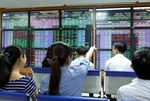 Blue chips drive indexes upwards