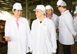 Netherland's vice minister visits Dutch Lady's sustainable dairy zone in Ha Nam Province