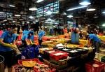 HCM City wholesale markets to ban unprocessed farm produce