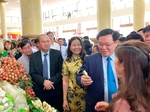 Ministries urged to help Bac Giang export more lychee fruit