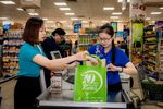 "Saigon Co.op organises ""No Plastic Bag Day"""