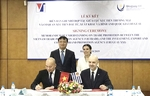 Viet Nam, Uruguay ink trade, investment agreement