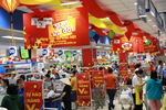 Saigon Co.op's supermarkets remain crowded as promotions continue