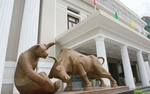 VN stocks advance for third day