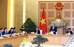 PM Phuc has working session with economic advisory group