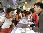 Gold shops prepare for God of Wealth Day rush