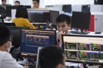 VN-Index at one-year high of 1,000 points