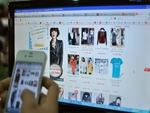 Online sales boom as Tet approaches