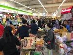 Sales at supermarkets surge, wet markets drop