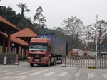 Lang Son suggests permitting local workers tounloadgoods atChina border
