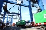 Volume of cargo in Q1 grows, passengers drop