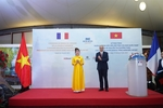 Vietjet CEOreceives the FrenchLegion of Honour