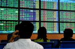 VN-Index rebounds on improved sentiment