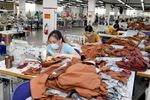 Viet Nam, Laos enjoy growth in two-way trade in H1