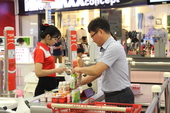 LOTTE Mart celebrates birthday with thousands of gifts