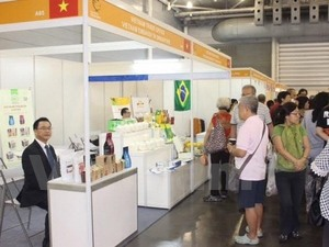 VN firms attend Asia-Pacific food fair in Singapore