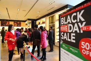 Online shopping platforms stir up Black Friday fever