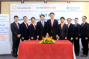 Woori Bank to distribute Hanwha Life Vietnam products