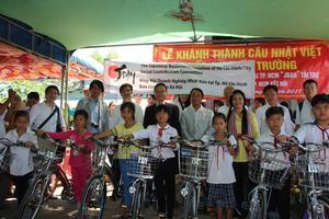 Japanese businesses help build concrete bridges in Mekong Delta