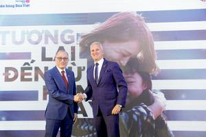 AIA links up with Viet Capital Bank