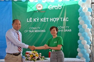 Grab and Taxi Mekong promote GrabTaxi in Bac Lieu