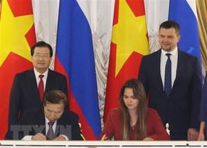 Viet Nam, Russia seek measures to forge ties