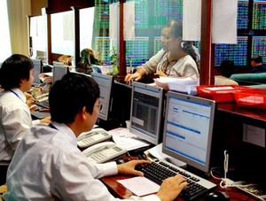 Stock markets recover and hold gains
