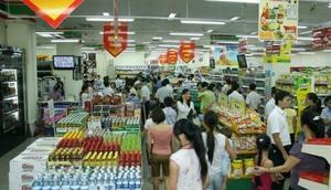 Ha Noi prepares goods for Tet