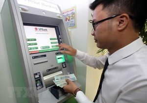 Central bank takes steps to ensure ATM service quality before Tết